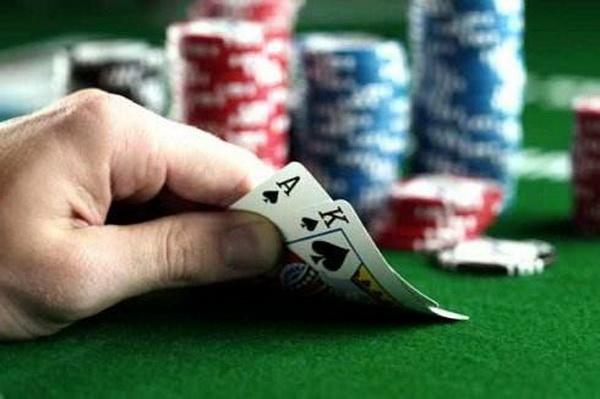 【美天棋牌】五手德州扑克底牌让我开始怀疑人生