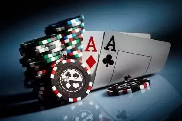 """【美天棋牌】德州扑克小白""""学诈唬"""",这一篇就够了!"""
