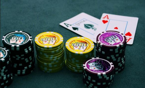 【美天棋牌】德州扑克不要为了让对手弃牌而超额下注