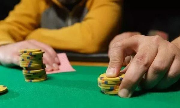 【美天棋牌】德州扑克你可能没有试过的走出下风期的方法