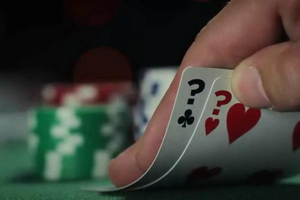 【美天棋牌】德州扑克推测对手范围不要犯这四个错误