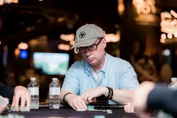 【美天棋牌】作为一个德州扑克牌手,你要明白什么时候该打、该弃牌
