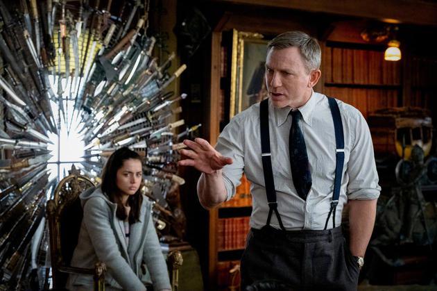 【美天棋牌】《利刃出鞘》将拍两部续集 007回归主演