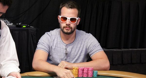 【美天棋牌】德州扑克如何提高自己的扑克水平
