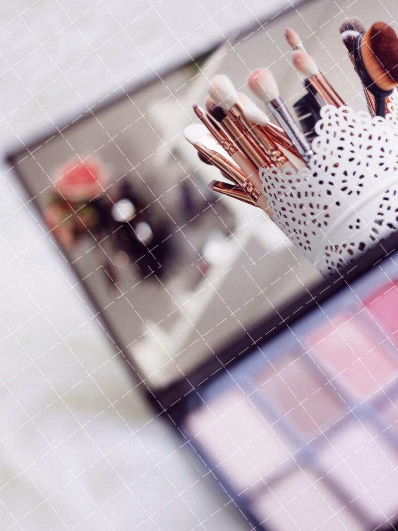 【美天棋牌】化妆教程 2021影视化妆师好不好-怎么成为一名好的影视化妆师?