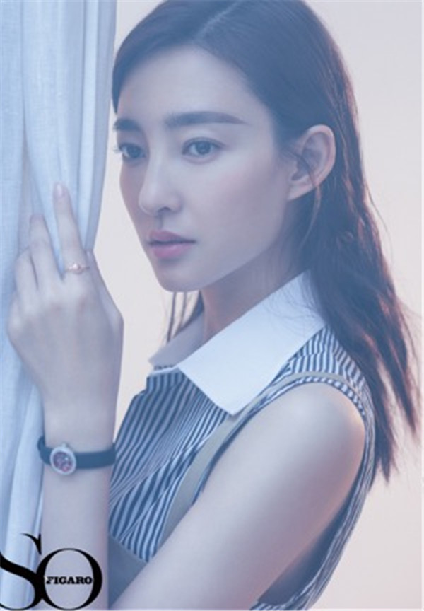 【美天棋牌】王丽坤文艺范十足 迎难而上从不懈怠