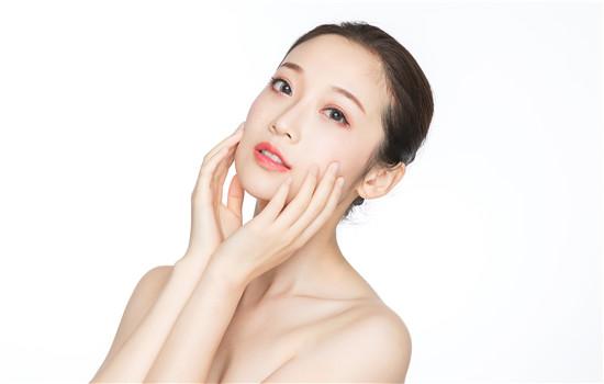 【美天棋牌】男士美白面膜哪个好 和女士面膜的区别