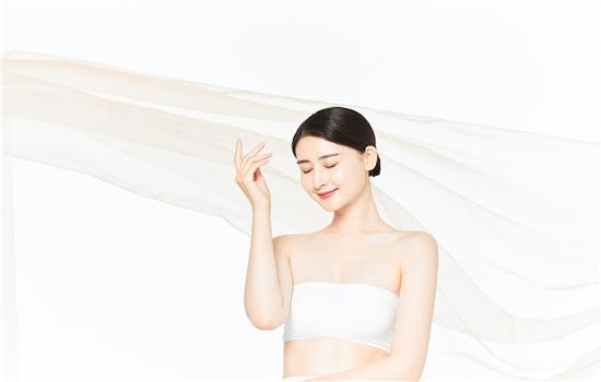 【美天棋牌】油性肌肤用什么爽肤水比较好 怎么改善